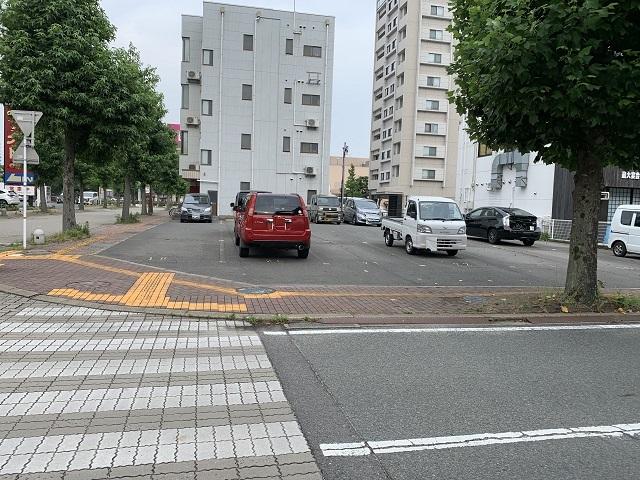 駅南 吉本駐車場